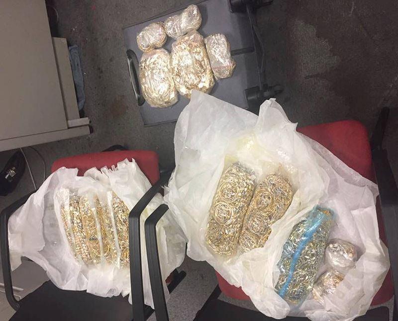 Tiếp viên hàng không buôn lậu vàng: Anh trai, em gái, chị dâu dính án tù