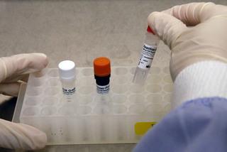 Singapore rúng động vụ lộ danh tính hơn 14.000 người nhiễm HIV