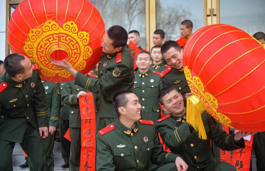 Xem đón Tết kiểu nhà binh ở Trung Quốc