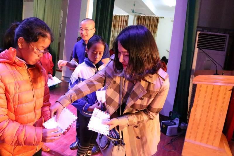 bạn đọc ủng hộ,từ thiện vietnamnet,trao quà tết,hộ nghèo,hoàn cảnh khó khăn