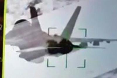 Hình ảnh tiêm kích Nga 'khóa mục tiêu' chiến cơ Mỹ gây bão mạng