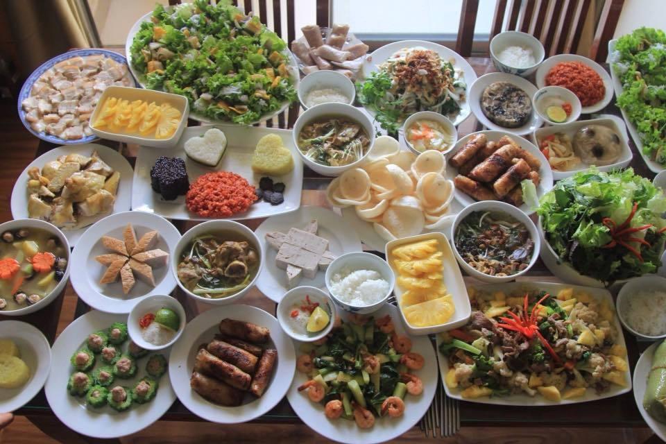 Chuyên gia dinh dưỡng chỉ cách không tăng cân ngày Tết