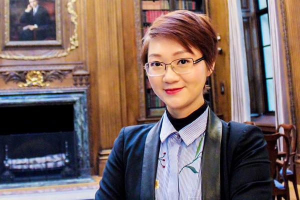 """Nữ tiến sĩ ĐH Oxford: Tôi phải cảm ơn những """"thách thức"""" của thầy"""