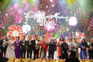 Xuân quê hương 2019: Nồng ấm nghĩa tình kiều bào Việt