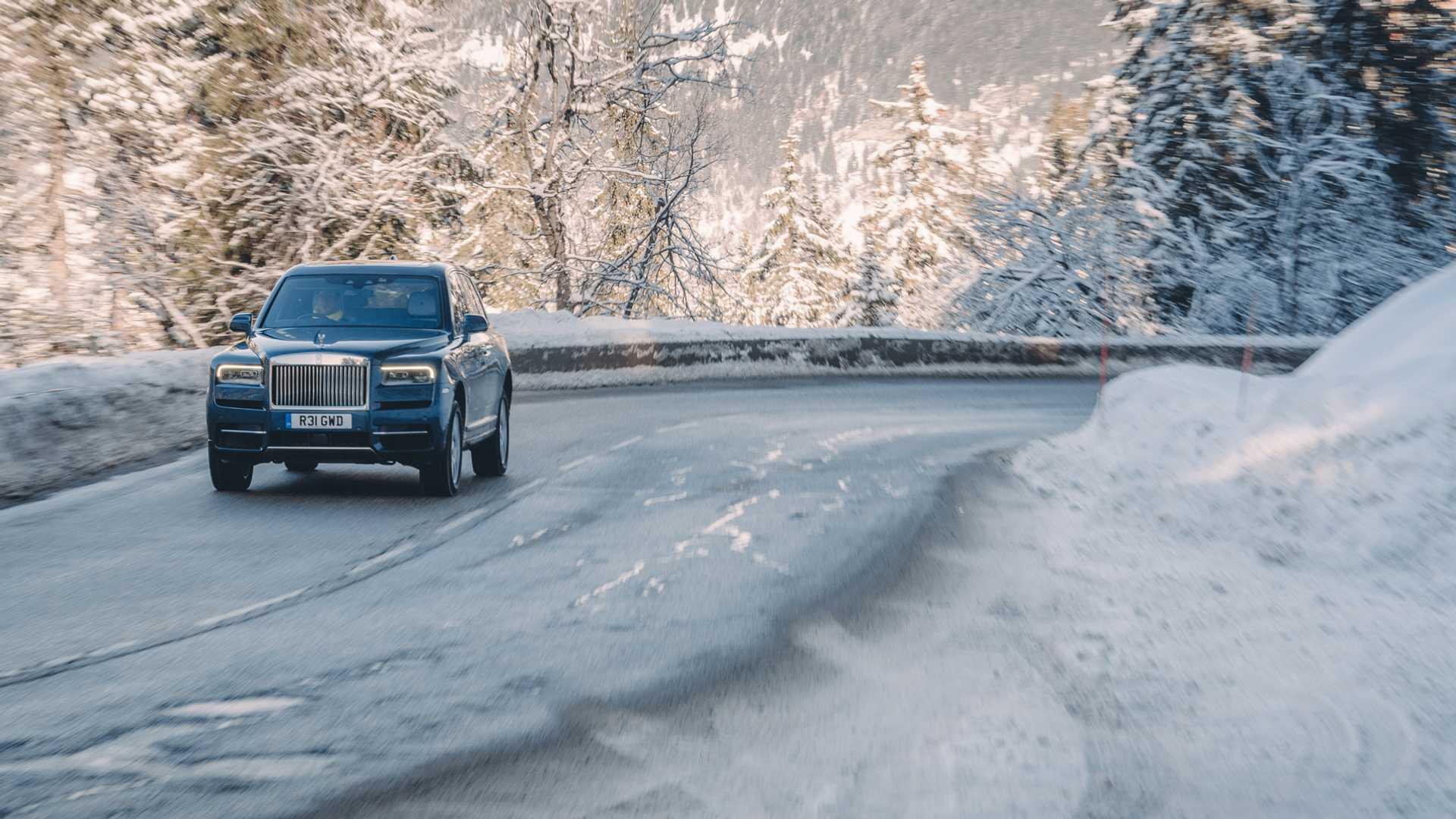 Siêu xe Rolls-Royce Cullian hơn 40 tỷ chỉ để làm taxi