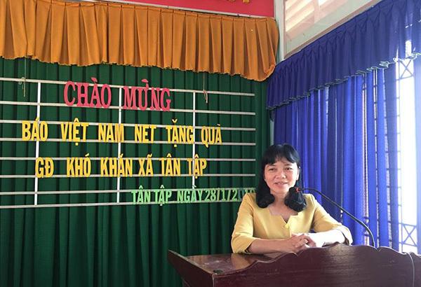 Tết ấm áp nghĩa tình đến với bà con nghèo xã Tân Tập