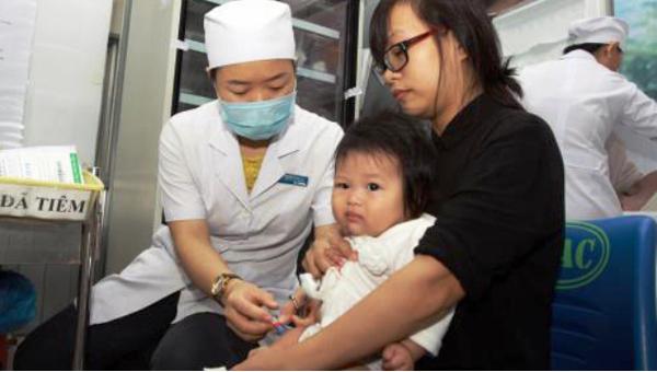Bé trai 1 tuổi bị viêm màng não vì cha mẹ quên làm điều này cho con