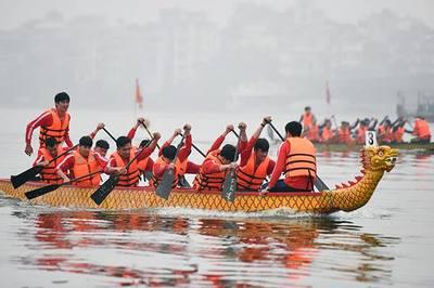 Bốn đội đua quốc tế dự lễ hội bơi thuyền rồng Hà Nội