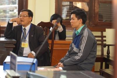 Bác sỹ Hoàng Công Lương nhận 42 tháng tù giam
