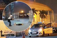 """Hai người """"bí ẩn"""" đi cùng tài xế taxi nghi bị cứa cổ ở cổng SVĐ Mỹ Đình là ai?"""