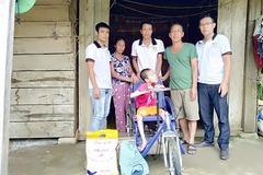"""Bán nhẫn làm từ thiện, chàng trai hạnh phúc trở thành """"bạn của người nghèo"""""""