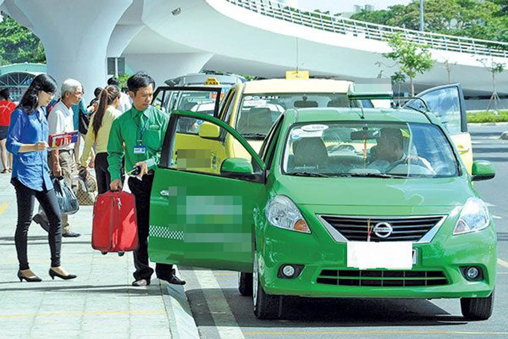 Để tài xế taxi không bị sát hại: Phải lắp khoang ngăn ghế lái với khách