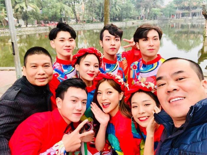 'Chồng hờ' Lan cave mời bạn gái Quang Hải tham gia hài Tết