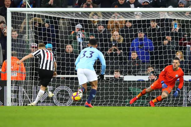 Man City thua sốc trên sân Newcastle