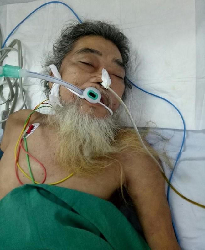 Cả bệnh viện đi tìm thân nhân cho người đàn ông bị thủng dạ dày