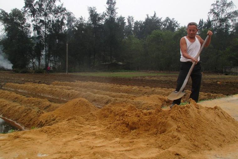 Tết không điện, không nước sạch ở vùng mỏ sắt lớn nhất Đông Nam Á