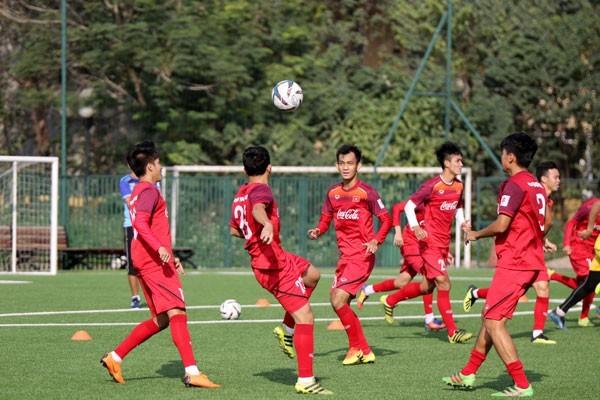 HLV U22 Việt Nam lo mất quân bởi V-League
