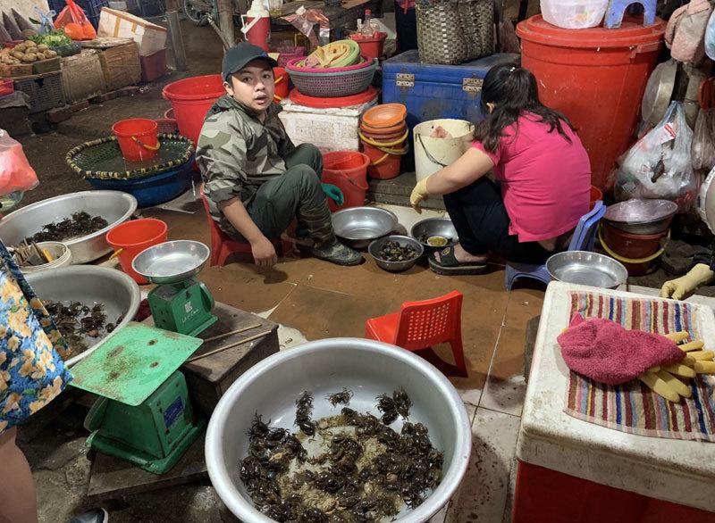 thị trường tết,tết nguyên đán,cua đồng,món ăn giải ngấy