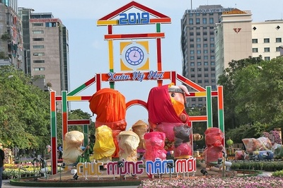 Cận cảnh đường hoa Nguyễn Huệ trước giờ khai mạc đón Tết Kỷ Hợi