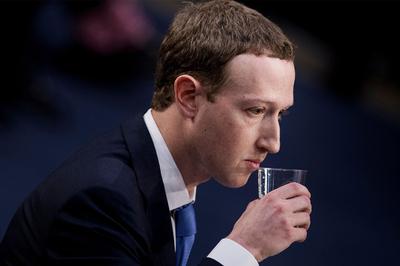 Facebook vẫn lãi kỷ lục bất chấp hàng loạt bê bối
