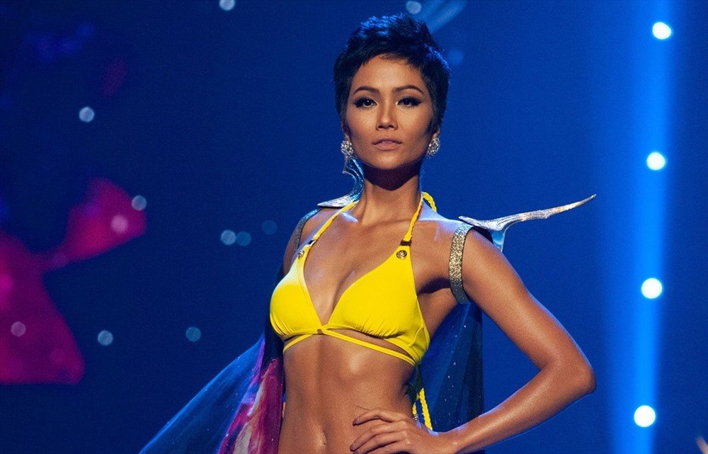 H'Hen Niê lọt Top 10 'Hoa hậu của các Hoa hậu 2018'