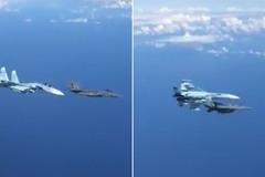 Xem chiến cơ Nga Su-27 ập tới đuổi tiêm kích Mỹ F-15