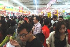 Hóa đơn siêu thị dài 3 mét: Vợ chồng bơ phờ sắm Tết, chùn chân thanh toán