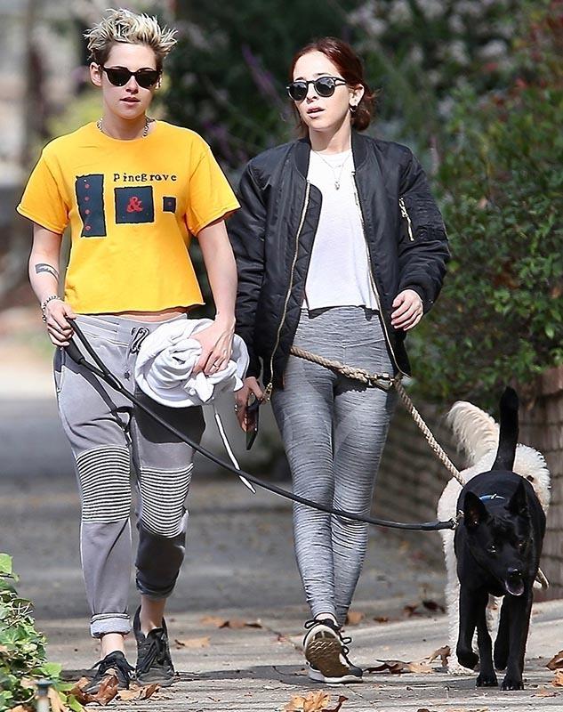 Mỹ nhân 'Chạng vạng' Kristen Stewart hớ hênh vòng 1 bên người yêu đồng giới