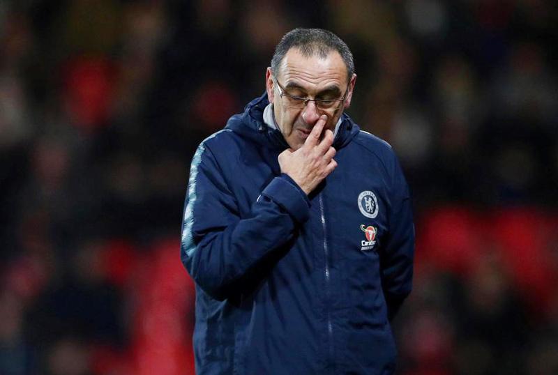 MU nổ 'bom tấn' 90 triệu bảng, Chelsea tính sa thải HLV Sarri