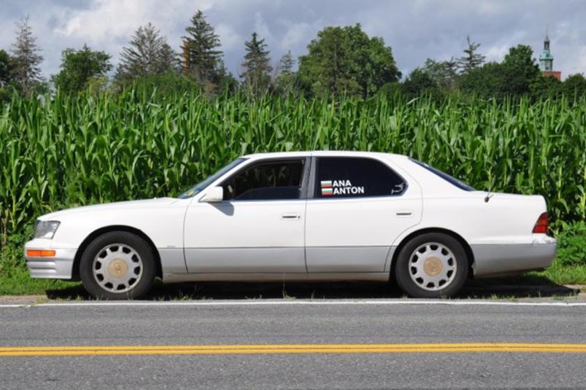 Chiếc xe sang Lexus hiếm hoi sắp đạt quãng đường triệu dặm sử dụng
