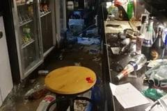 Bị giục cưới trước Tết, chủ quán bar nổi đóa đập phá cửa hàng