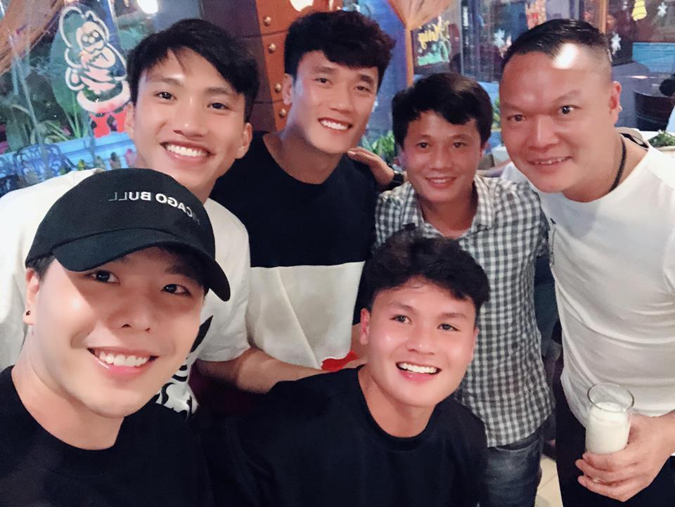 Trịnh Thăng Bình hát hit 'Người ấy' cùng Quang Hải và Duy Mạnh