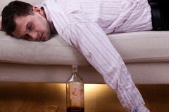 Giải say rượu như thế này có ngày mất mạng