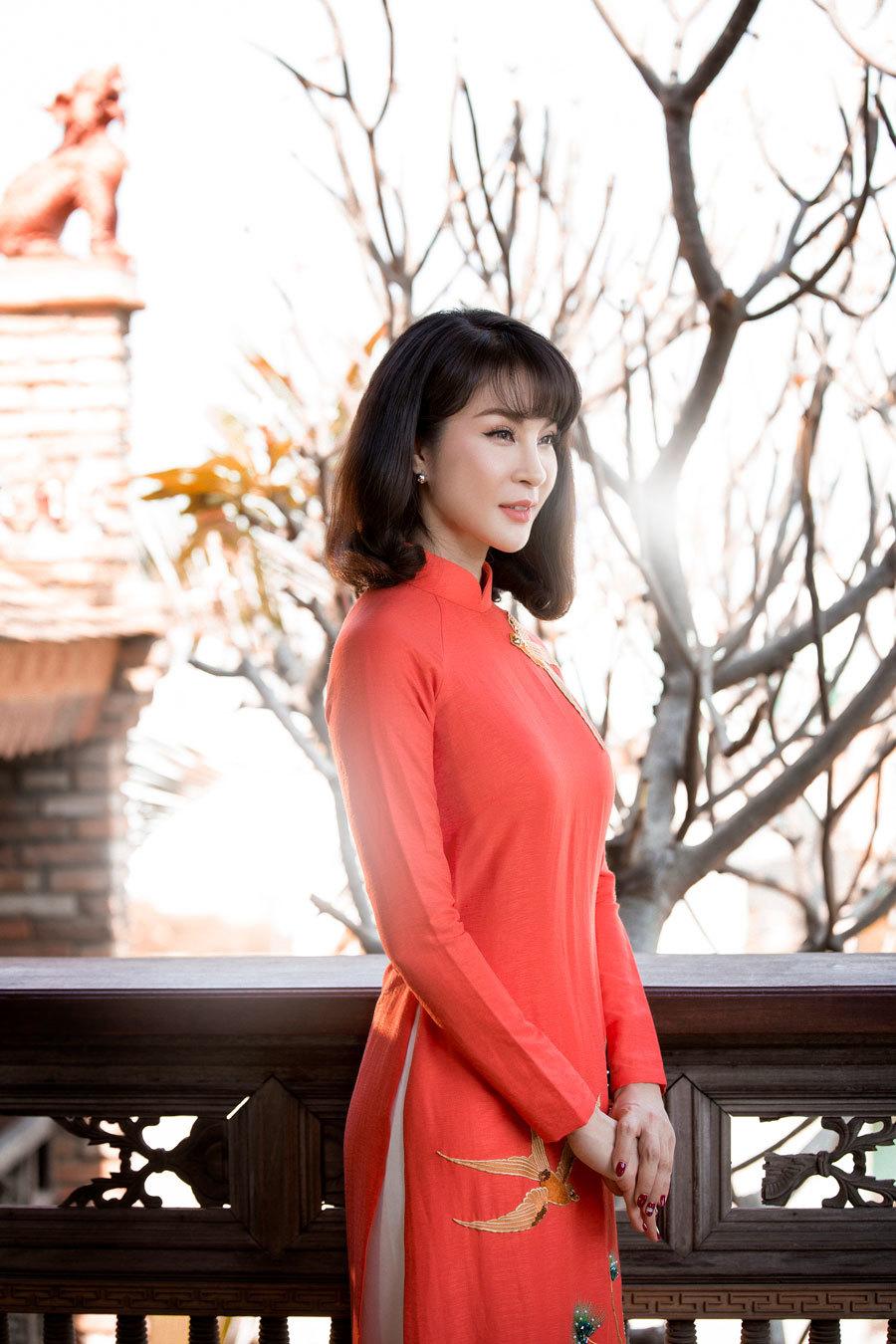 MC Thanh Mai gợi ý 4 mẫu áo dài đón xuân