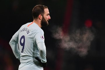 "Chelsea khủng hoảng: Higuain và lời nguyền ""số 9"""
