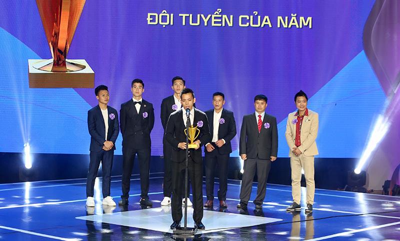 Tuyển Việt Nam lại 'càn quét' giải thưởng