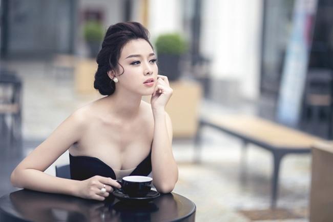 Diễn viên 'Ghét thì yêu thôi' khoe biệt thự như khách sạn 5 sao đón Tết