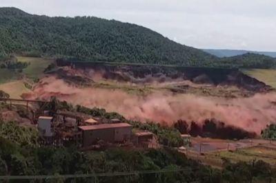 Khoảnh khắc vỡ đập kinh hoàng ở Brazil, 110 người chết