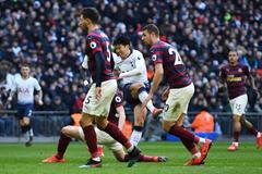 """Son Heung-min quá """"son"""", Tottenham thắng nghẹt thở"""
