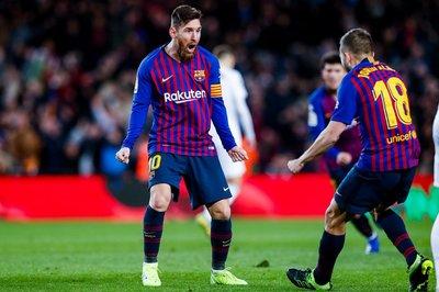 Messi chói sáng, Barca được cứu trước Siêu kinh điển