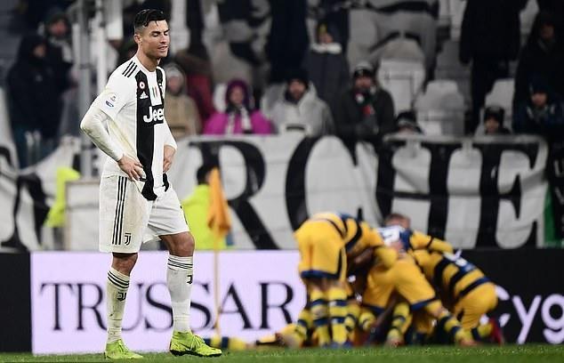 Ronaldo lập cú đúp, Juventus tuột chiến thắng ở phút 93
