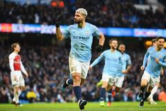 Aguero lập hat-trick, Man City thổi bay Arsenal
