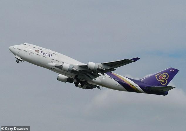 Âm thanh kỳ lạ trong hành lý máy bay tiết lộ đường dây buôn lậu quốc tế