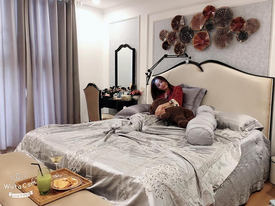 'Quỳnh búp bê' sống như bà hoàng trong căn hộ tiền tỷ sang như khách sạn