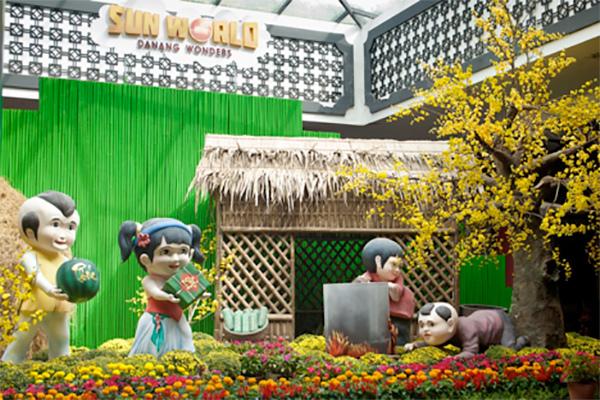 Xúng xính váy áo du Xuân Sun World Danang Wonders