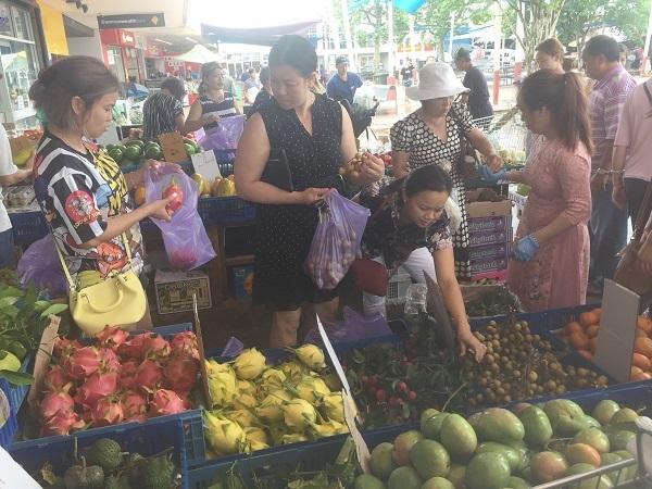 Phiên chợ người Việt ở Úc ngày 30 Tết