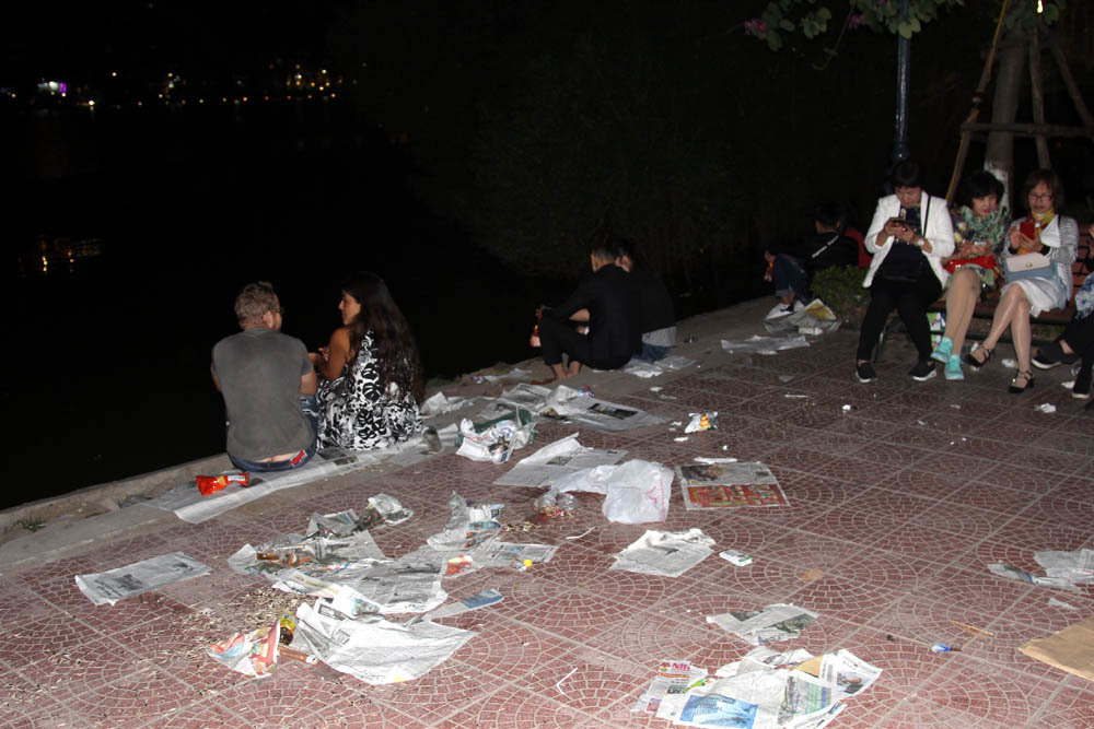 Tết Nguyên đán,giao thừa,pháo hoa,hồ Gươm,Hà Nội,rác,rác thải,Tết kỷ hợi