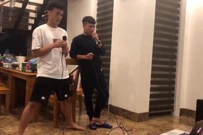 """Quang Hải, Bùi Tiến Dũng song ca Tìm lại bầu trời cực """"ngọt"""""""