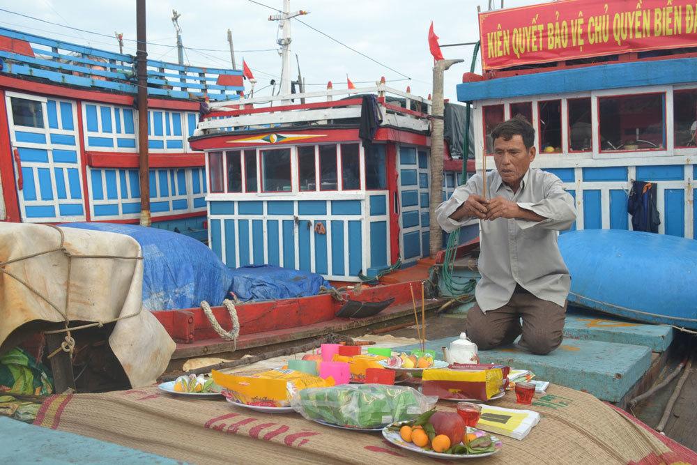 Lễ mở cửa biển của ngư dân quê hương Hải đội Hoàng Sa