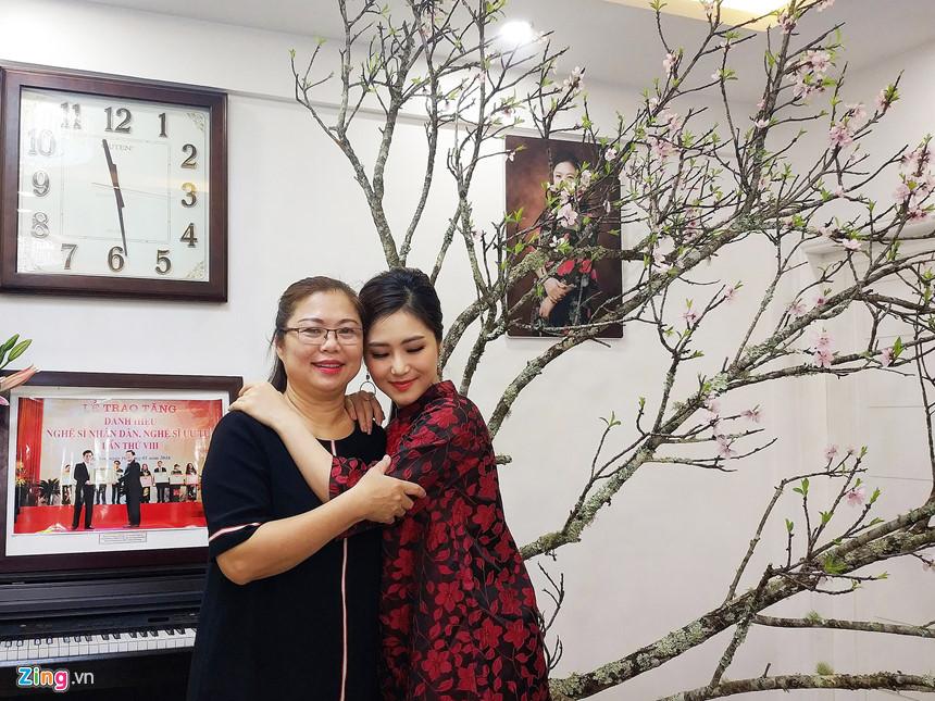 Hương Tràm và gia đình đón Tết trong căn hộ penthouse ở Nghệ An